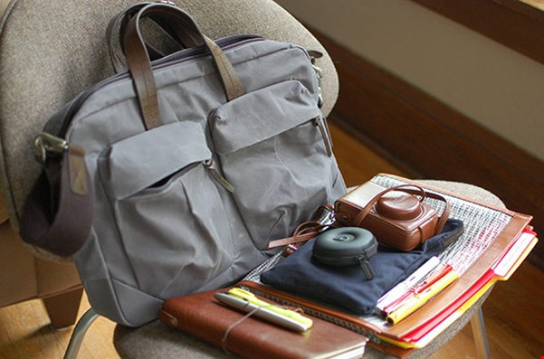9 Must Have Travel Gadgets for Business Travelers
