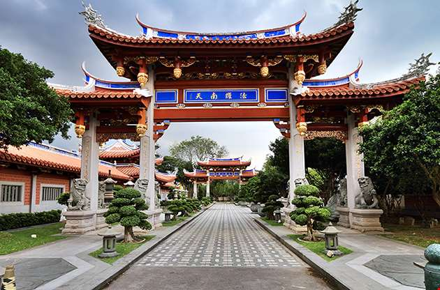 lian-shan-shuang-lin-monastery-singapore-Lian Shan Shuang Lin Monastery Singapore