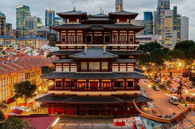 the-buddha-tooth-relic-temple-in-singapore-chinatown-The Buddha Tooth Relic Temple In Singapore Chinatown