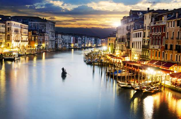 grand-canale-from-rialto-bridge-at-blue-hour-Grand Canale From Rialto Bridge At Blue Hour