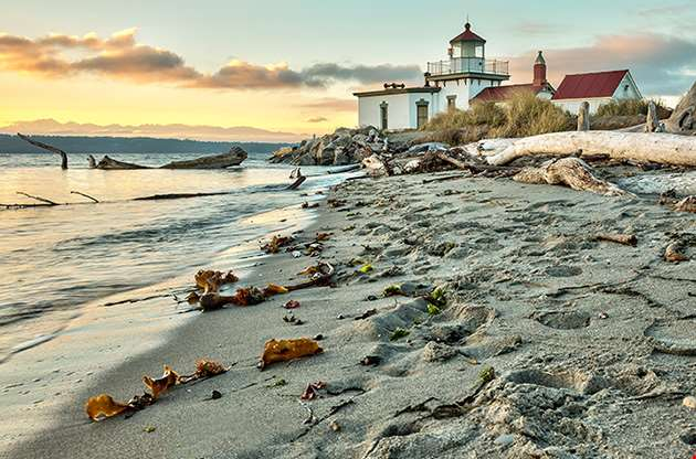 sunset-at-west-point-lighthouse-at-seattle-Sunset At West Point Lighthouse At Seattle