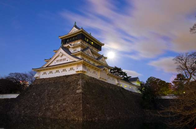 castle-in-the-japanase-kokura-of-moonlight-night-Castle In The Japanase Kokura Of Moonlight Night