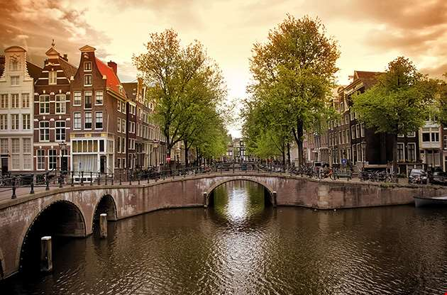 amsterdam-canal-bridge-the-netherlands-Amsterdam Canal Bridge The Netherlands