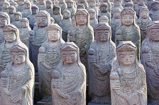arahan-statues-at-gwaneumsa-buddhist-temple-at-jeju-Arahan Statues At Gwaneumsa Buddhist Temple At Jeju