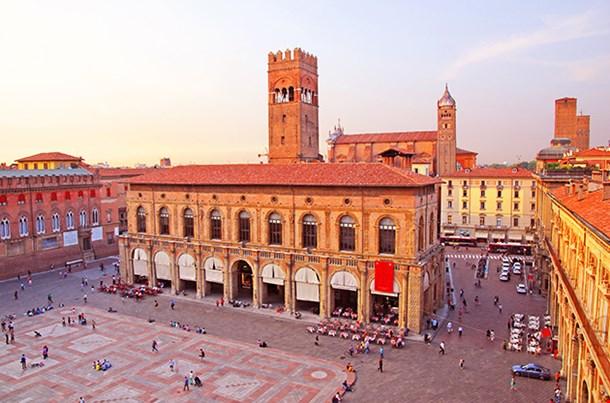Italy Bologna Main Square And King Enzo Palace