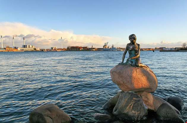 the-monument-of-the-little-mermaid-The Monument of the Little Mermaid