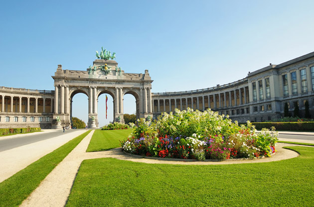 the-triumphal-arch-in-cinquntenaire-parc-The Triumphal Arch in Cinquntenaire Parc