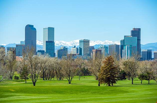 Sunny Denver Skyline Spring In Colorado-Sunny Denver Skyline Spring In Colorado