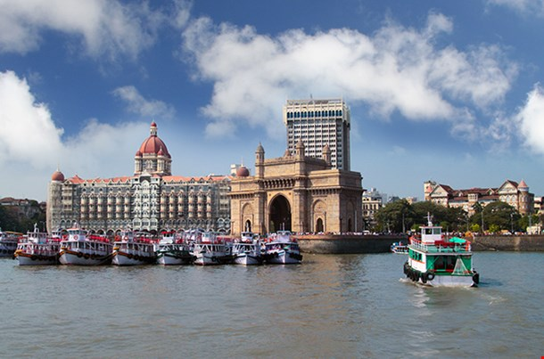 Mumbai India With Gateway And Hotel