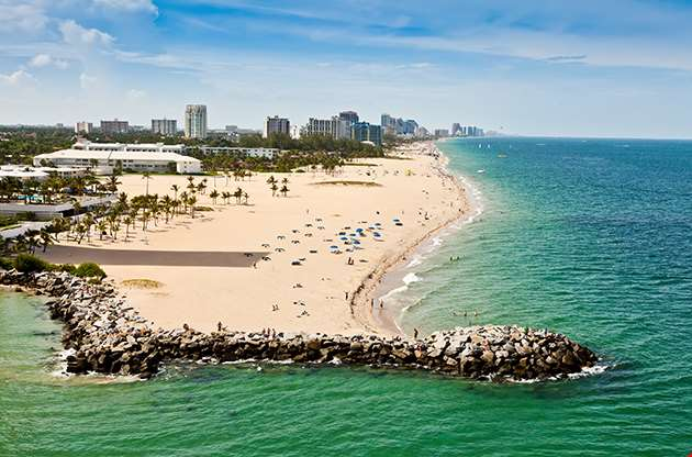 Long Stretch Of Ft Lauderdale Beach In Florida-Long Stretch Of Ft Lauderdale Beach In Florida
