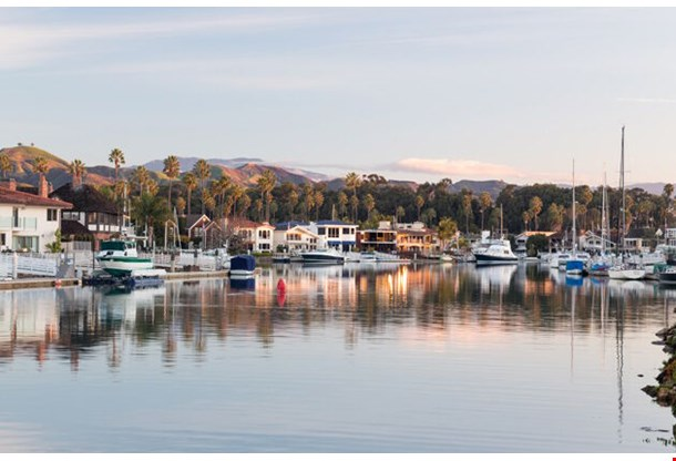 Ventura California With Modern Homes And Yachts Boats