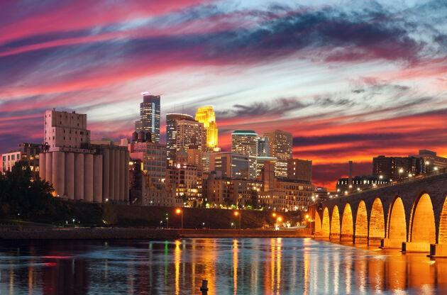 Minneapolis Image Of Minneapolis Downtown At Twilight-Minneapolis Image Of Minneapolis Downtown At Twilight