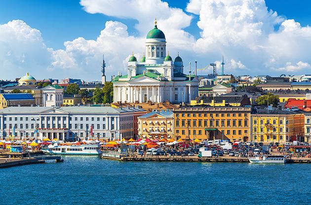 market-square-kauppatori-old-town-helsinki-Market Square Kauppatori Old Town Helsinki