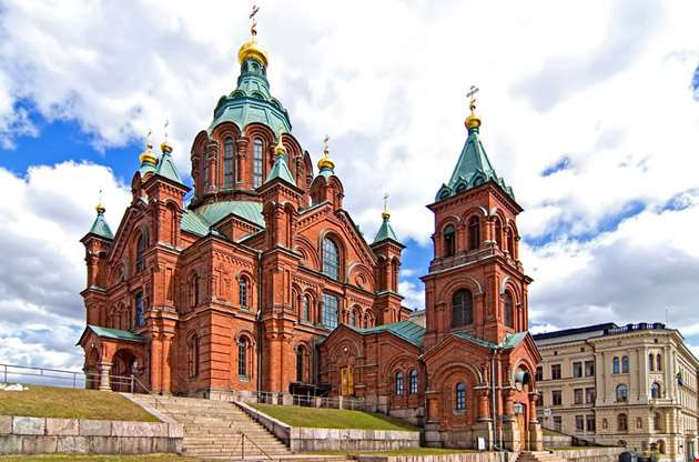 uspensky-cathedral-in-helsinki-Uspensky Cathedral in Helsinki