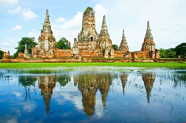 Wat Chaiwatthanaram Ancient Temple And Monument In Thailand