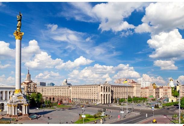 Independence Square Maidan Nezalezhnosti Kiev