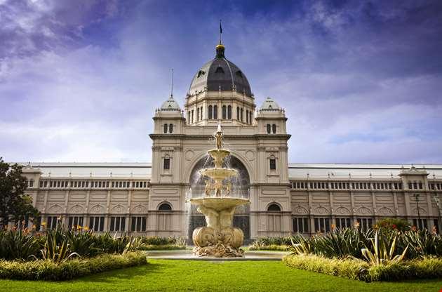 royal-exhibition-building-behind-carlton-gardens-Royal Exhibition Building Behind Carlton Gardens