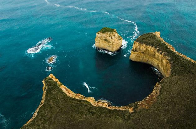 twelve-apostles-great-ocean-road-Twelve Apostles Great Ocean Road