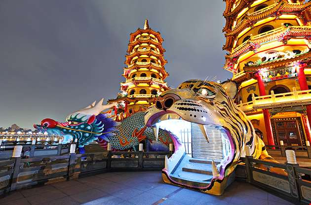 dragon-tiger-tower-kaohsiung-taiwan-Dragon Tiger Tower Kaohsiung Taiwan