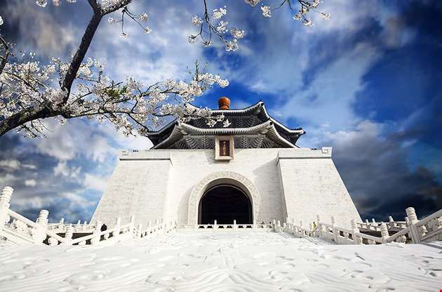 chiang-kai-shek-memorial-hall-in-taiwan-Chiang Kai Shek Memorial Hall In Taiwan