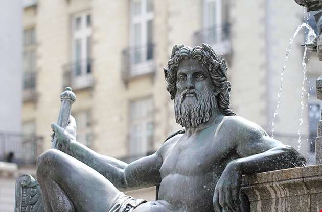 Statue Le Cher On The Fountain Of The Place Royale Of Nantes-Statue Le Cher On The Fountain Of The Place Royale Of Nantes