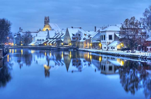 christmas-winter-evening-german-town-Christmas Winter Evening German Town