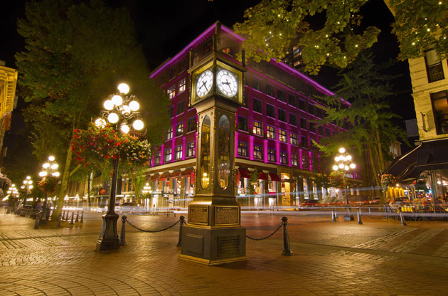 historic-steam-clock-in-gastown-Historic Steam Clock in Gastown