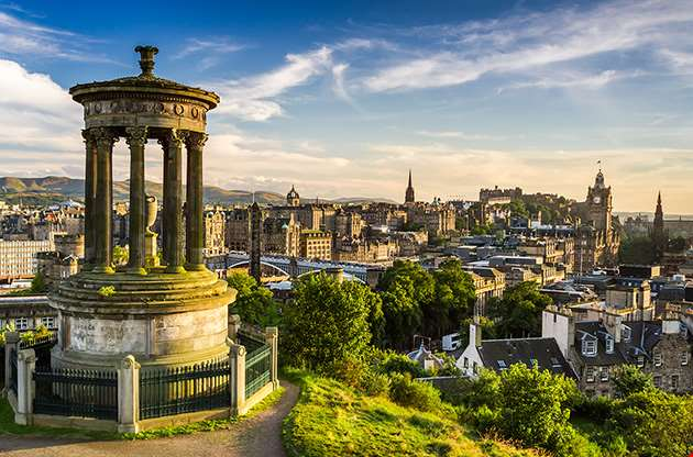 beautiful-view-of-the-city-of-edinburgh-Beautiful View Of The City Of Edinburgh