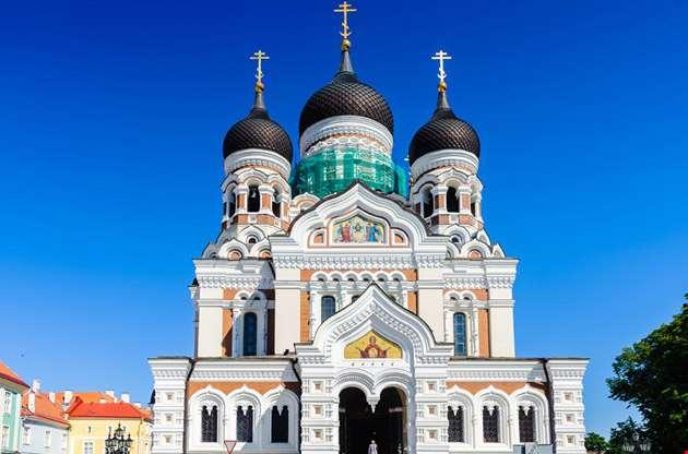 alexander-nevsky-cathedral-blue-sky-Alexander Nevsky Cathedral Blue Sky