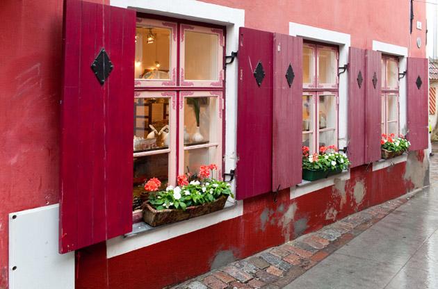 old-houses-during-a-rain-Old Houses During a Rain