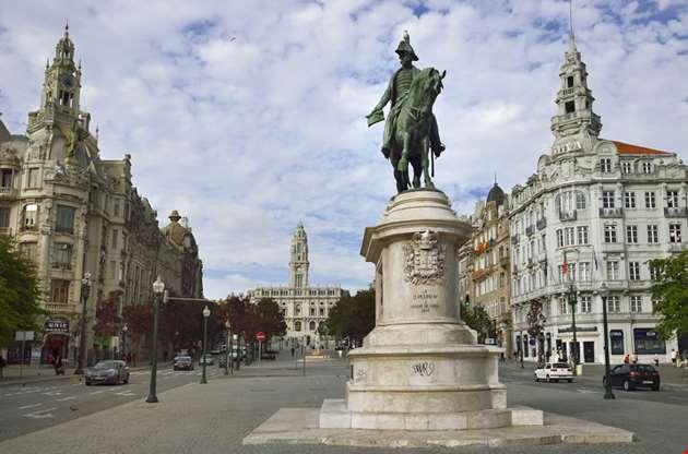 portugal-porto-the-main-square-Portugal Porto The Main Square