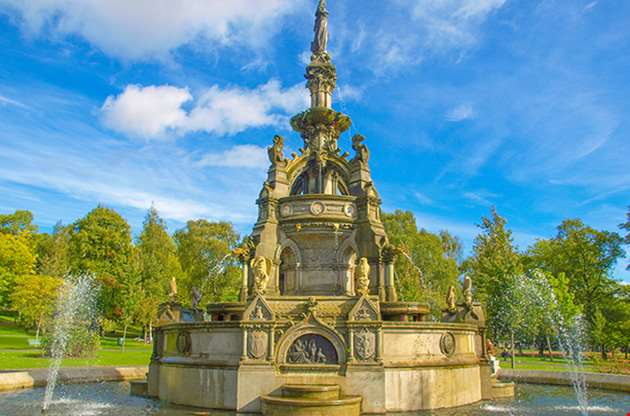 the-stewart-memorial-fountain-in-kelvingrove-park-in-glasgow-The Stewart Memorial Fountain In Kelvingrove Park In Glasgow