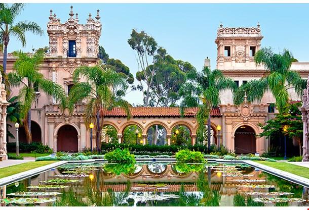 Balboa Parks Casa De Balboa Building