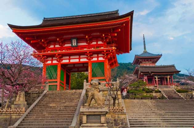 japanese-temple-kiyomizu-at-kyoto-Japanese Temple Kiyomizu At Kyoto