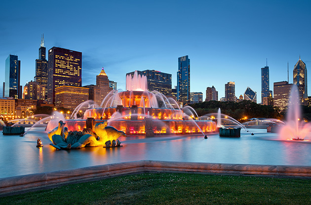 buckingham-fountain-in-grant-park-Buckingham Fountain In Grant Park