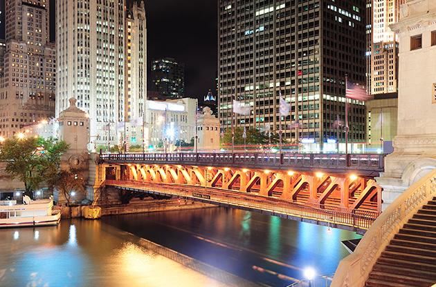 chicago-river-walk-Chicago River Walk