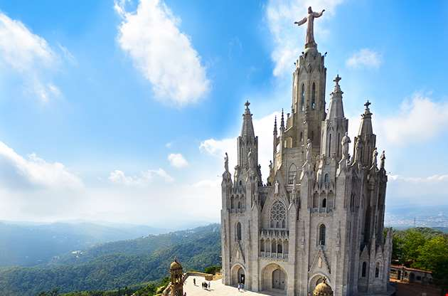 tibidabo-church-on-mountain-in-barcelona-with-christ-statue-Tibidabo Church On Mountain In Barcelona With Christ Statue