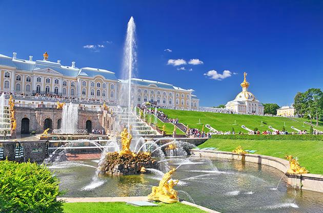 grand-cascade-in-pertergof-saint-petersburg-russia-Grand Cascade In Pertergof Saint Petersburg Russia