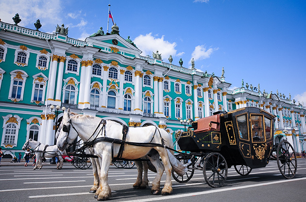 horse-carriage-near-hermitage-in-saint-petersburg-Horse Carriage Near Hermitage In Saint Petersburg