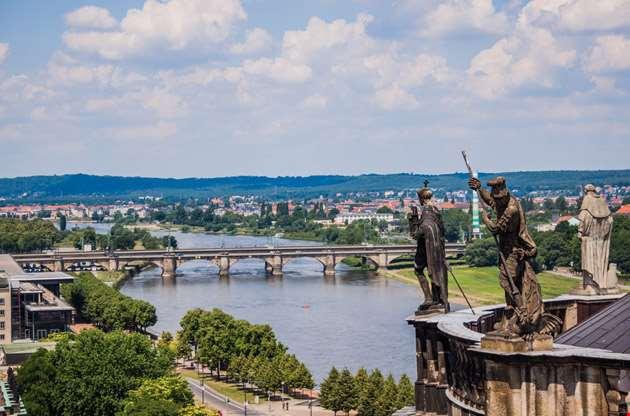 huge-panorama-dresden-Huge Panorama Dresden