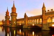 berlin-oberbaumbridge-Berlin Oberbaumbridge