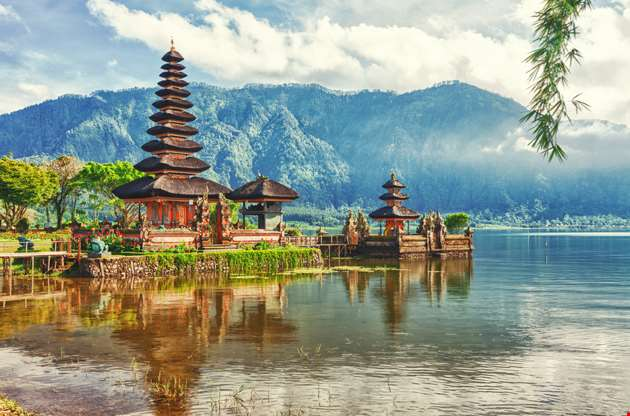pura-ulun-danu-temple-lake-beratan-Pura Ulun Danu Temple Lake Beratan