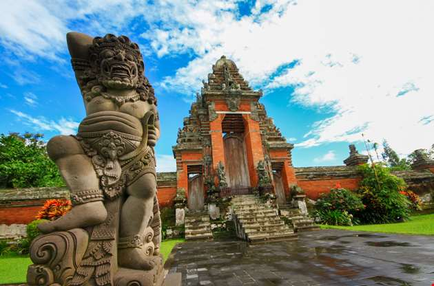 taman-ayun-temple-is-a-royal-temple-of-mengwi-empire-Taman Ayun Temple is a Royal Temple Of Mengwi Empire