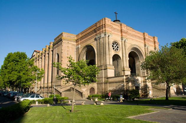 the-basilica-of-saint-aubin-is-a-chuch-in-toulouse-The Basilica of Saint Aubin is a Chuch in Toulouse